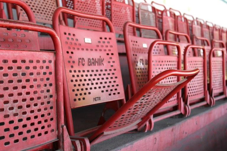 banik seats
