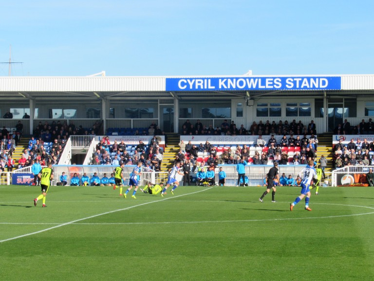 knowles stand