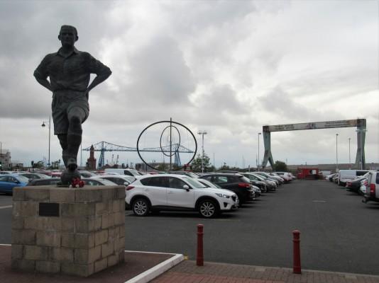 Boro legend George Hardwick against a backdrop of the Transporter Bridge.