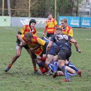 Action as Slava Moscow (red and gold) take on Yenisei-STM in the 2014 Russian Cup Final.